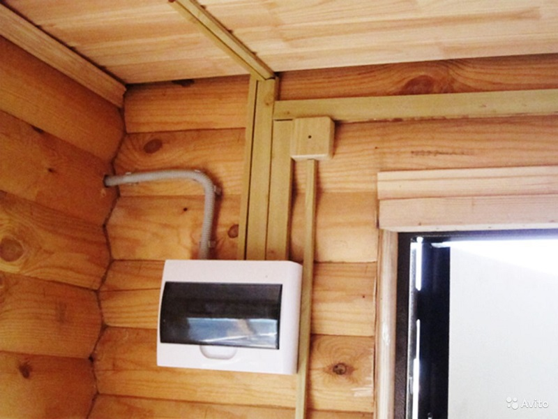 Электропроводка в деревянном доме