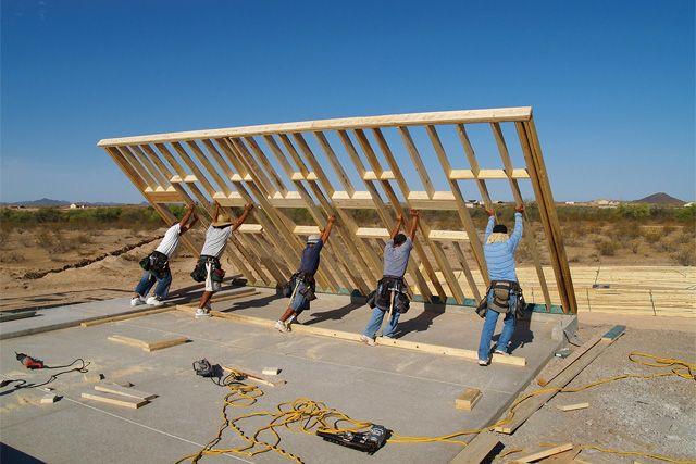 Принятый в Америке способ монтажа каркасных стен.