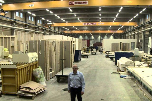 Завод по производству домов в Финляндии годовой производительностью около трёх тысяч.